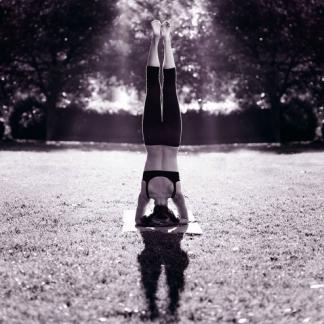 online-yoga-yogavibes-yoga-online-headstand